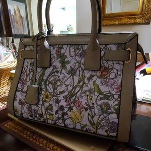 La Terre Fashion Bag
